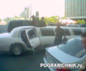 Пограничный лимузин со столбом. День погранца 2005 г.