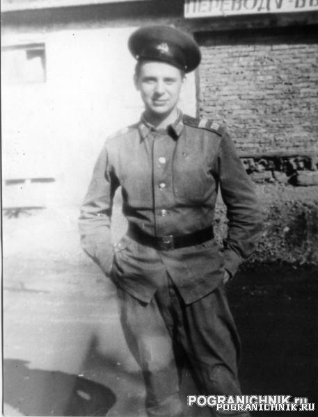 КТПО Дальнереченск лето87 - это я молодой сержант.jpg