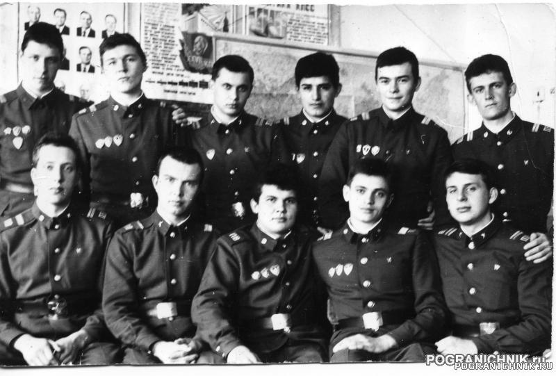 КТПО Дальнереченск з- 87-88 - учебный пункт, сержанты.jpg