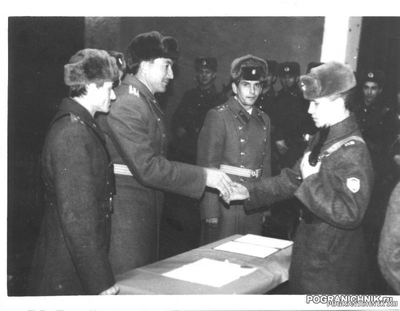 КТПО Дальнереченск з-87-88 - приз. о-87 принимает присягу в