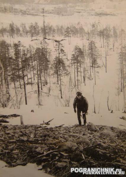 Никель 1984. На фоне гарнизона.