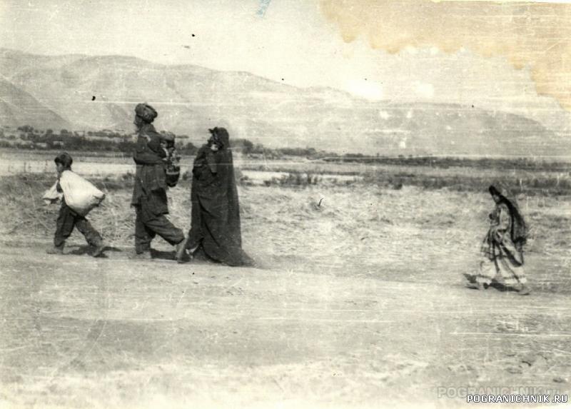 Молодая семья, дорога на Файзобад, 1985г.