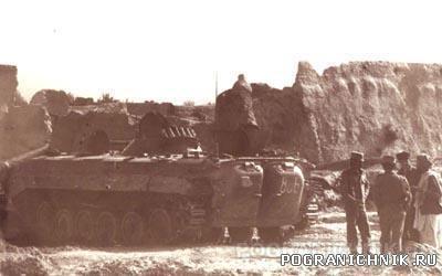 34.Огневая позиция БМП на развалинах  тюрьмы в Старом городе