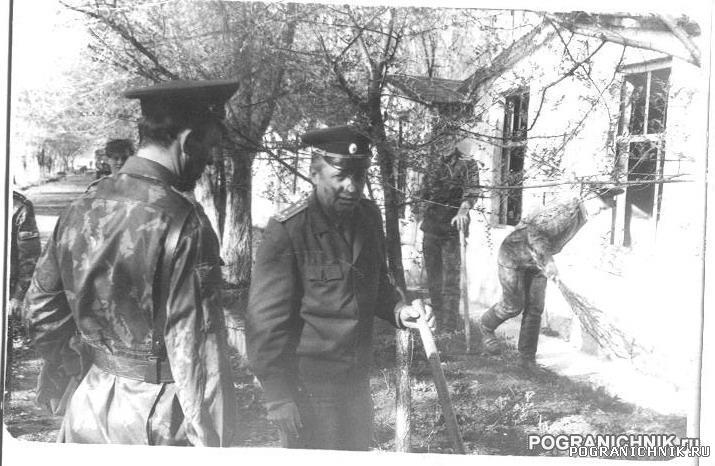 Лукашевич и Логинов. ПУЦ сент 1990.jpg