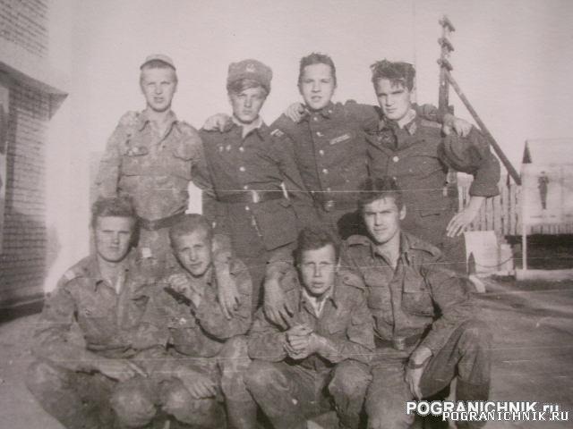 Ош- Кызыл Джар,рота связи в гостях (92год).JPG