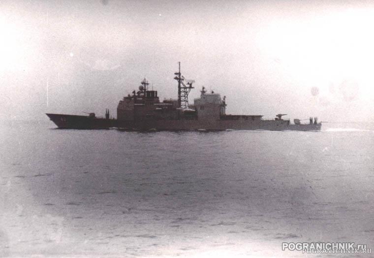 """5 ОБПСКР. Ракетный крейсер """"Йорктаун"""" у Фороса"""