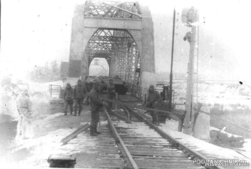 Ремонт железнодорожного участка вблизи моста через Аракс (южнее советской Джульфы), 1944 г.