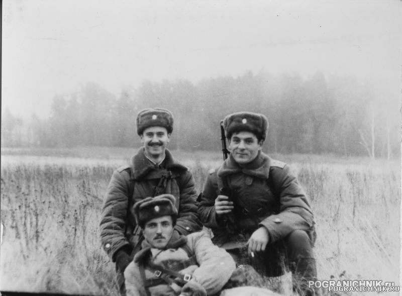 О.Маснов, А.Макурин и В.Орищенко. Марш-бросок.