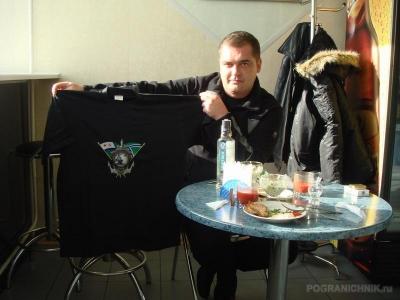 Роджер и наши футболки. Заказывайте...