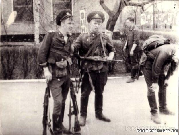 сержанты Малов И Анчин, 2 УПЗ МОШСС Палдиски, 1988 г.