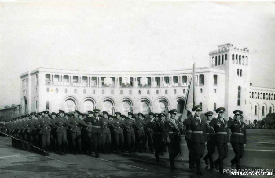 Парад в Ереване