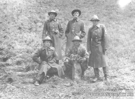 Первые курсанты в ущелье Аксай