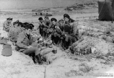 12 группа. Лето 1982 г. Лагерь на Капчагае.