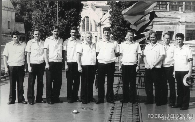 Первый экипаж - офицеры
