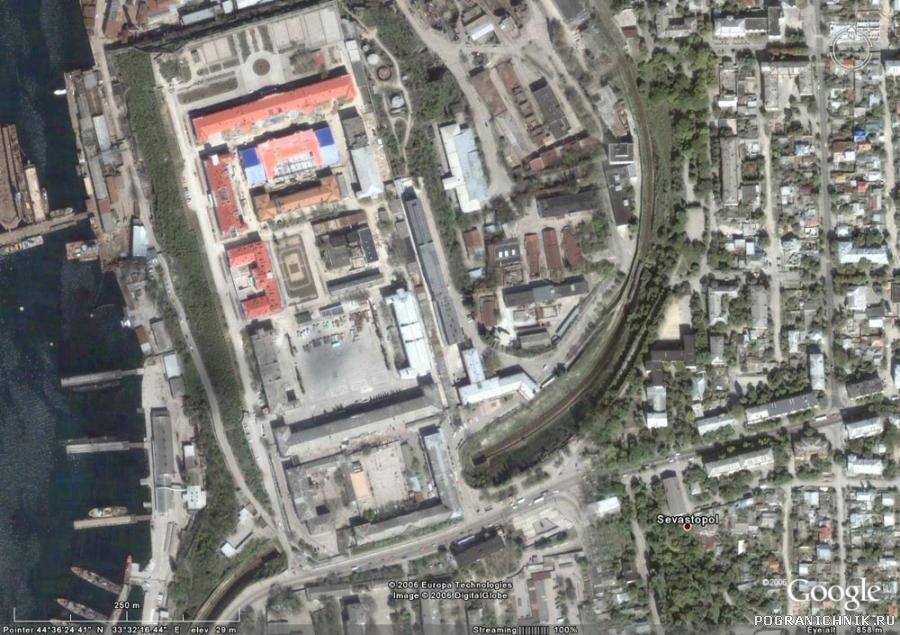 7-й учебный отряд ВМФ - Севастополь. Вид из космоса