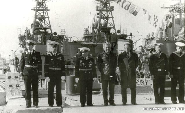 Киров ветераны на спуске флага