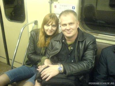 Гоша и Алёнка - пассажиры Московского метро