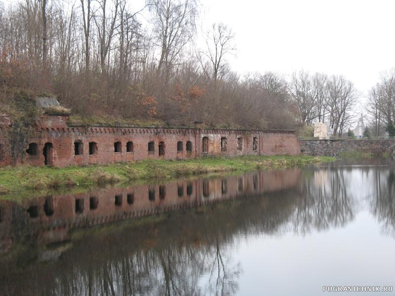 5 форт и монумент павшим