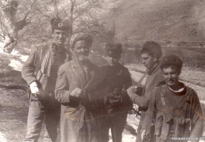 по пути за водой, пл. Тарваза, Зардев 1986г.