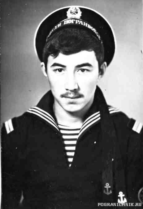 Начальник АТС в\ч 1454 Арсланов Ирек, друган.