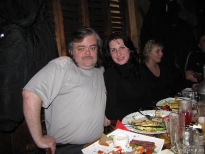 Сергей с Юлей длинной волос меряются :)