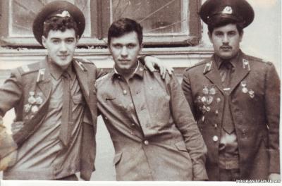 28 мая1988г.-дембель на пороге))   Хаебулатов Караваев и Я))