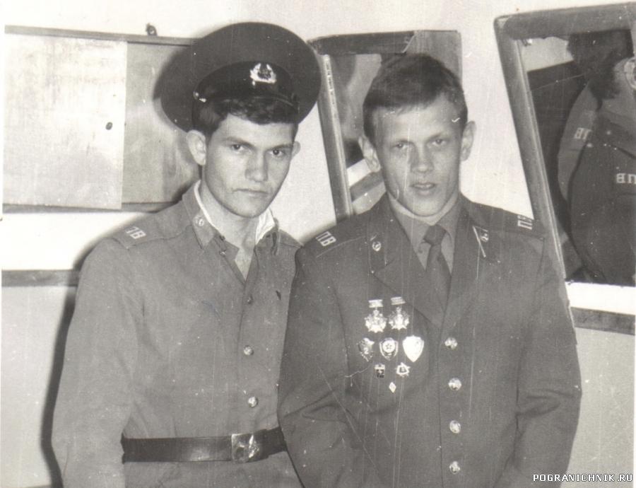 Взвод связи,январь 88-го. Димон и Я(салапет)