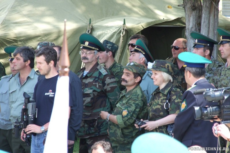 28 мая  у могилы неизвестного солдата Сухум. Абхазия2