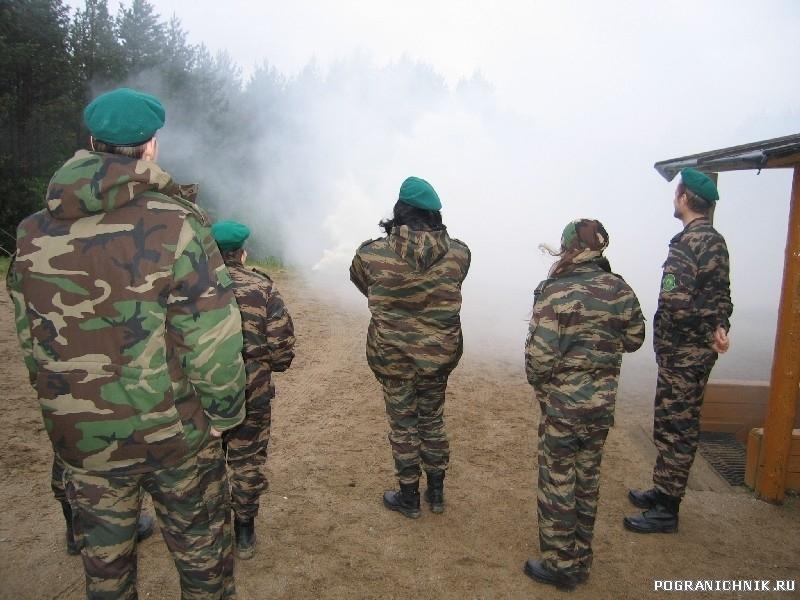 Демонстрация дымовой шашки