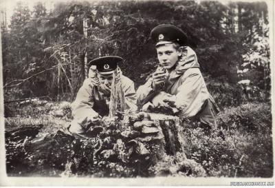 я и Володька Стрельцов на сборах отд. химзащиты. сентябрь 87