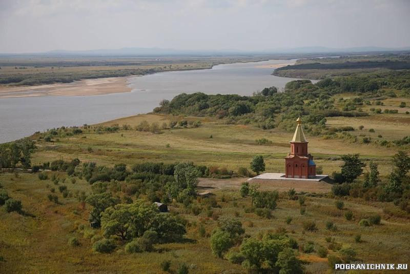 вид с о. Б.Уссурийский на протоку Казакевича