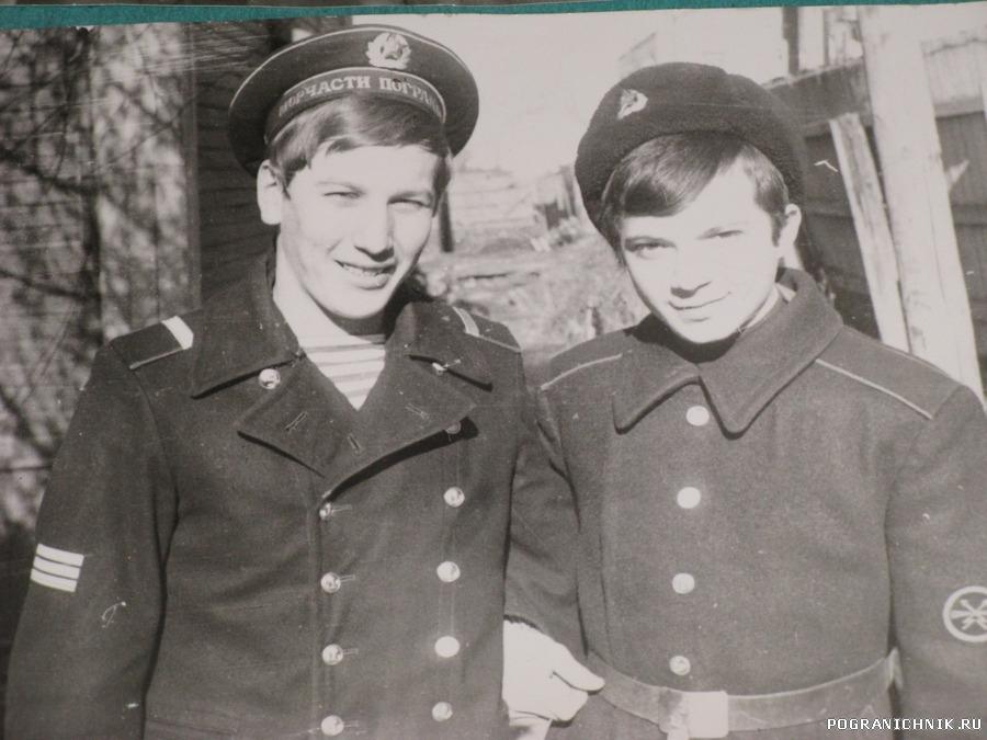 Ноябрь 79 г. у штаба Кузнецов Е А и Сергей Лепехов, будущий