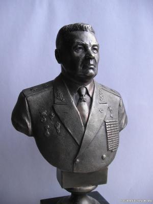 В.Ф. МАргелов (бюст)