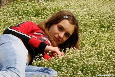 Первоцветы. Чуфут-Кале. Крым. Дочь Валерия.