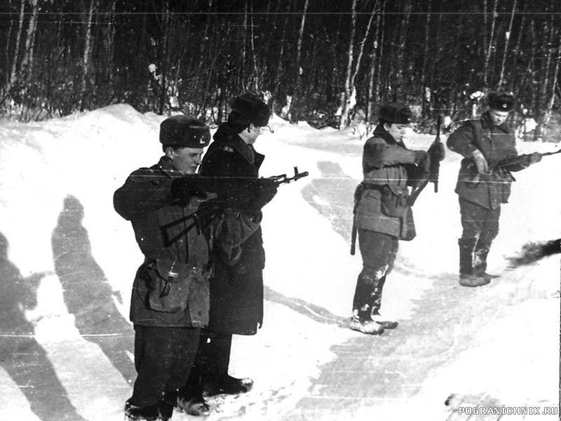 1983-85г. УП. занятия по огневой подготовке. на рубеже...