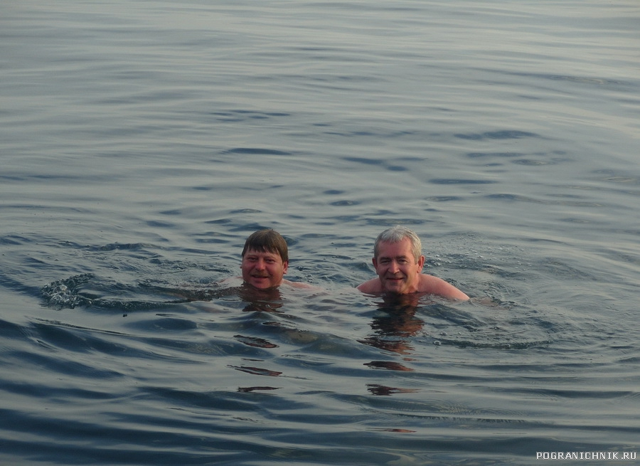Окунулись в море.jpg