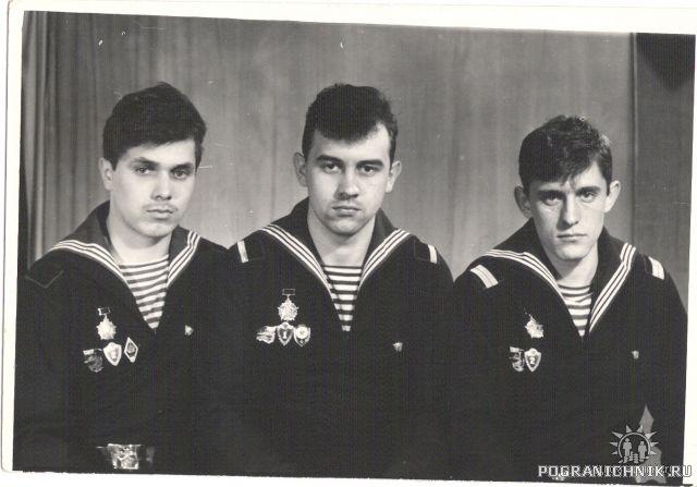 Будущие ДМБ-88:Дима Садов, Миша Лихолет и Эрик