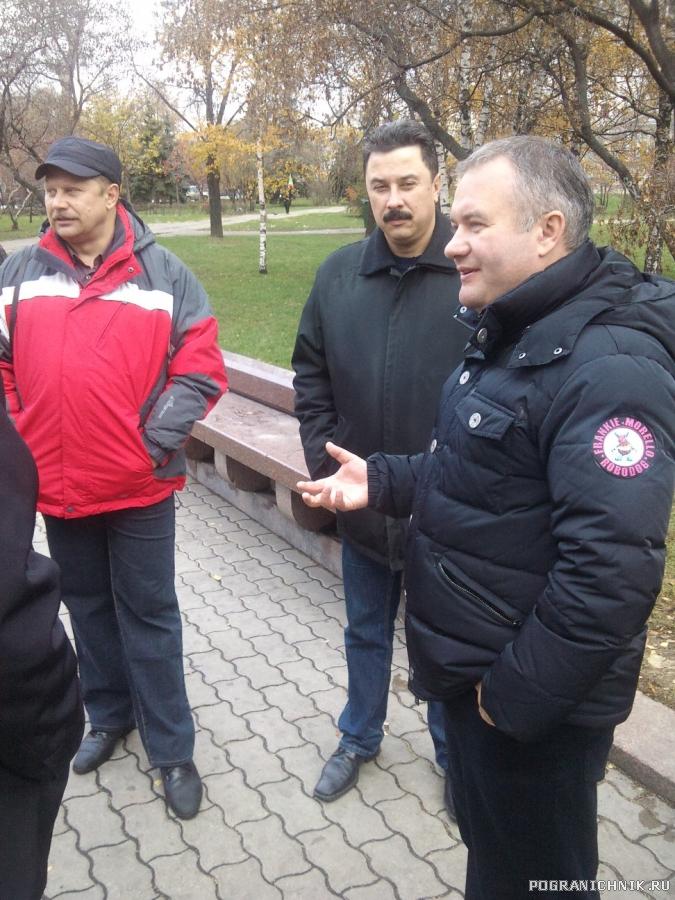 Встреча у памятника