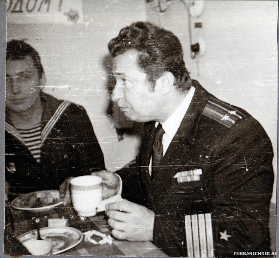 Командир Изумруда кап.2 ранга Румянцев