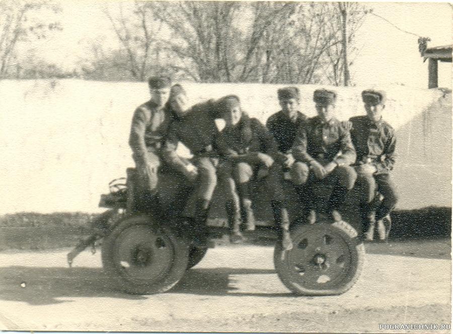 На конюшне. 73-74 гг.