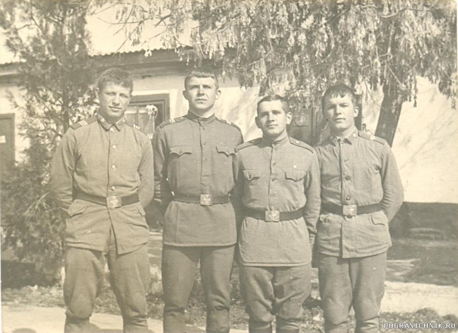 Возле ШСС. 73-74 гг.