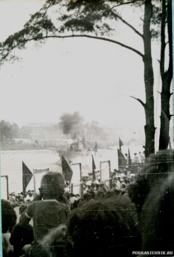 день ВМФ 1983 г. в Лиепае стрельба с АК-230