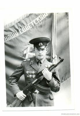 У развёрнутого Знамени Части 1974г.