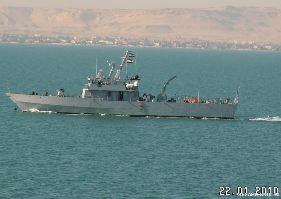 катер ВМС Египта в Суэцком канале