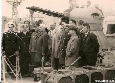 Посредине- Келдыш, президент академии наук СССР