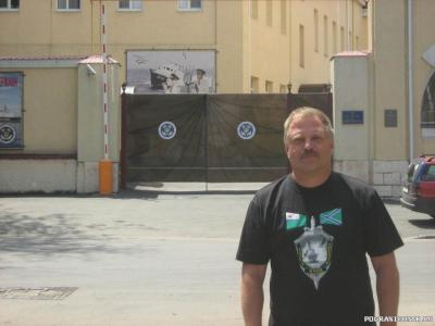 Снова у ворот части (Одесса)