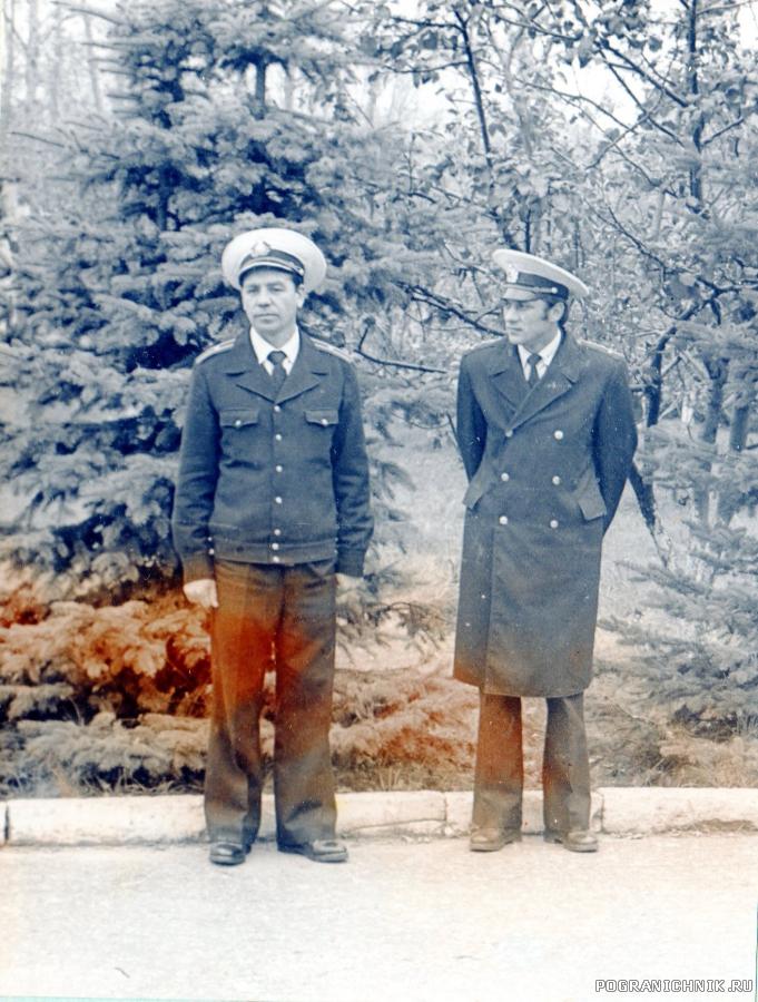 Командир корабля В. А. Семенов и ЗКПЧ В. Никоренков