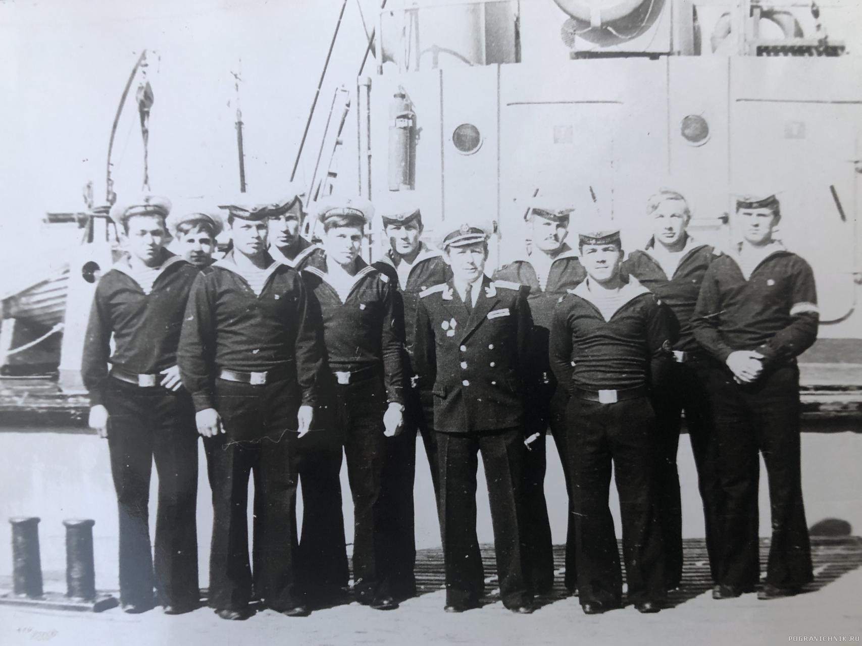 Экипаж 501 го с Комдивом, 1978г