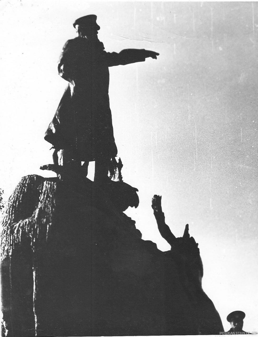 """""""Служба в г. Кронштадт,1977 г.Памятник адм Макарову"""""""