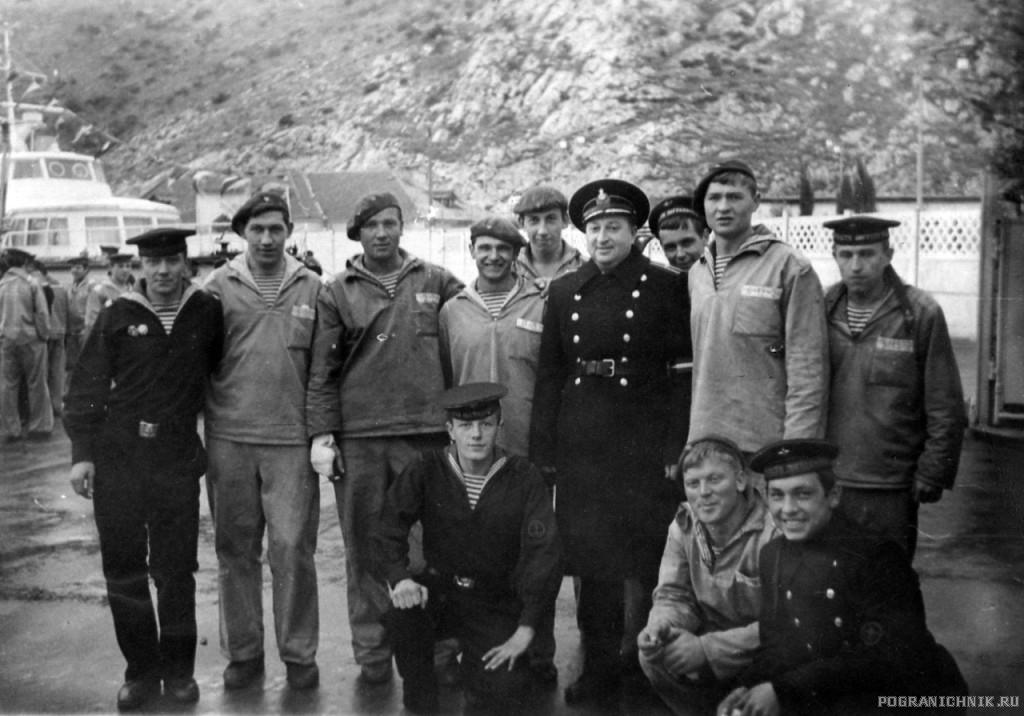 getImage (11) 1970 г во главе с командиром Шевцовым Л. Г..jpg